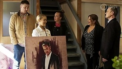 Kyle Canning, Roxy Willis, Bea Nilsson, Terese Willis, Paul Robinson in Neighbours Episode 8473