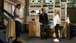 Kyle Canning, Bea Nilsson, Roxy Willis in Neighbours Episode 8473