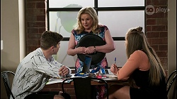Hendrix Greyson, Sheila Canning, Harlow Robinson in Neighbours Episode 8475