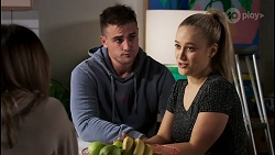 Bea Nilsson, Kyle Canning, Roxy Willis in Neighbours Episode 8480