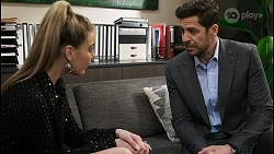 Chloe Brennan, Pierce Greyson in Neighbours Episode 8482