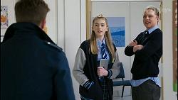 Hendrix Greyson, Mackenzie Hargreaves, Richie Amblin in Neighbours Episode 8483