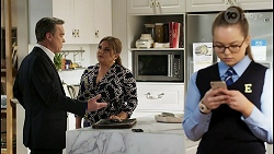 Paul Robinson, Terese Willis, Harlow Robinson in Neighbours Episode 8484