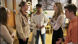 Harlow Robinson, Richie Amblin, Jay Rebecchi, Mackenzie Hargreaves, Hendrix Greyson in Neighbours Episode 8497
