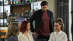 Jane Harris, Nicolette Stone, Pierce Greyson, Chloe Brennan in Neighbours Episode 8500