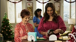 Susan Kennedy, Audrey Hamilton, Dipi Rebecchi in Neighbours Episode 8509