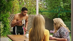 Levi Canning, Roxy Willis, Sheila Canning in Neighbours Episode 8510
