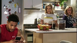 Levi Canning, Roxy Willis, Sheila Canning in Neighbours Episode 8514