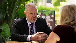 Clive Gibbons, Sheila Canning in Neighbours Episode 8515