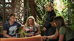 Kyle Canning, Sheila Canning, Roxy Willis, Levi Canning, Bea Nilsson in Neighbours Episode 8521