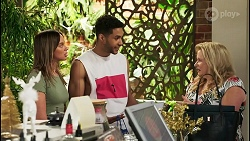 Bea Nilsson, Levi Canning, Sheila Canning in Neighbours Episode 8521