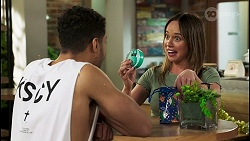 Levi Canning, Bea Nilsson in Neighbours Episode 8521