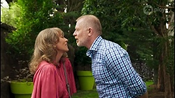 Jane Harris, Clive Gibbons in Neighbours Episode 8526