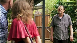 Clive Gibbons, Jane Harris, Des Clarke in Neighbours Episode 8526