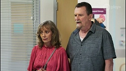 Jane Harris, Des Clarke in Neighbours Episode 8527