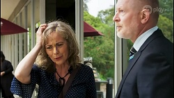 Jane Harris, Clive Gibbons in Neighbours Episode 8528