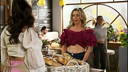 Dipi Rebecchi, Amy Greenwood, Yashvi Rebecchi in Neighbours Episode 8531