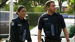 Yashvi Rebecchi, Constable Andrew Rodwell in Neighbours Episode 8535