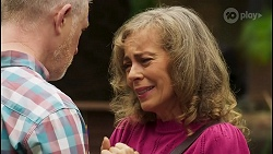 Clive Gibbons, Jane Harris in Neighbours Episode 8537