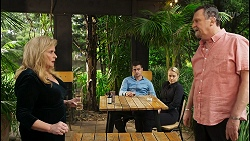 Sheila Canning, Kyle Canning, Roxy Willis, Des Clarke in Neighbours Episode 8537