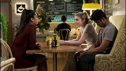 Yashvi Rebecchi, Mackenzie Hargreaves, Jay Rebecchi in Neighbours Episode 8540
