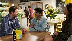Shane Rebecchi, Mackenzie Hargreaves, Yashvi Rebecchi, Ned Willis, Jay Rebecchi, Dipi Rebecchi in Neighbours Episode 8540