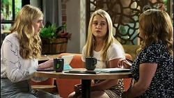 Mackenzie Hargreaves, Roxy Willis, Terese Willis in Neighbours Episode 8549