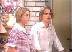 Danni Stark, Brett Stark in Neighbours Episode 2111