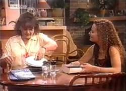Pam Willis, Cody Willis in Neighbours Episode 2111