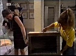 Julie Martin, Hannah Martin in Neighbours Episode 2112
