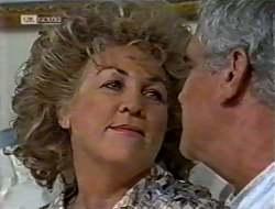 Cheryl Stark, Lou Carpenter in Neighbours Episode 2121