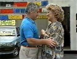 Lou Carpenter, Cheryl Stark in Neighbours Episode 2121