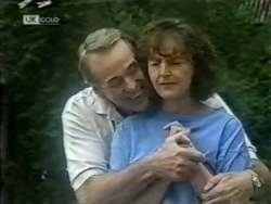 Doug Willis, Pam Willis in Neighbours Episode 2122