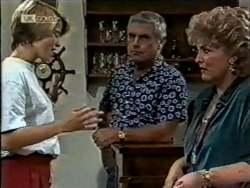 Danni Stark, Lou Carpenter, Cheryl Stark in Neighbours Episode 2124