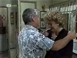 Lou Carpenter, Cheryl Stark in Neighbours Episode 2125