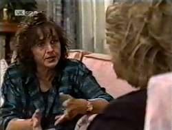 Pam Willis, Cheryl Stark in Neighbours Episode 2125