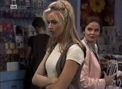 Annalise Hartman, Julie Martin in Neighbours Episode 2136