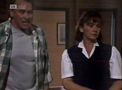 Doug Willis, Pam Willis in Neighbours Episode 2138