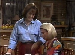 Pam Willis, Helen Daniels in Neighbours Episode 2138