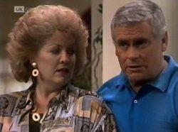 Cheryl Stark, Lou Carpenter in Neighbours Episode 2139