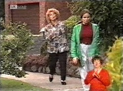 Cheryl Stark, Julie Martin in Neighbours Episode 2167