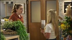 Mackenzie Hargreaves, Roxy Willis in Neighbours Episode 8553