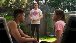 Levi Canning, Kyle Canning, Bea Nilsson in Neighbours Episode 8554