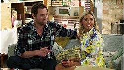Shane Rebecchi, Amy Greenwood in Neighbours Episode 8554