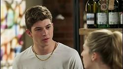 Hendrix Greyson, Mackenzie Hargreaves in Neighbours Episode 8555