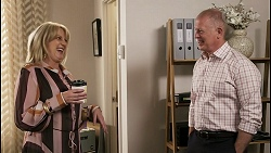 Melanie Pearson, Clive Gibbons in Neighbours Episode 8557