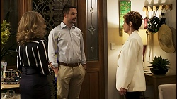 Jane Harris, Curtis Perkins, Susan Kennedy in Neighbours Episode 8557