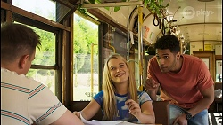 Kyle Canning, Roxy Willis, Levi Canning in Neighbours Episode 8559