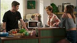 Hendrix Greyson, Susan Kennedy, Bea Nilsson in Neighbours Episode 8564