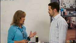 Jane Harris, Curtis Perkins in Neighbours Episode 8565